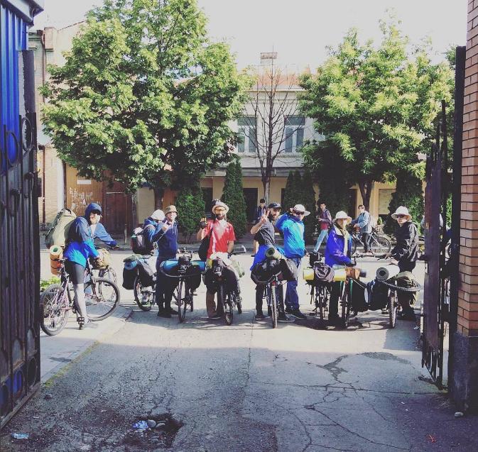 Bisikletle Vladikavkaz'dan Türkiye'ye Yedi Yürekli Gencin Yolculuğu